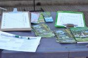 Collecting Signatures -Encarnación