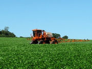 Herbicide application in soy cultivation